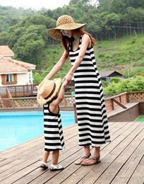 Mother Daughter Matching Top Canada - Top Quality Summer Family Matching Outfits 2017 New Kids Clothing Stripe Sleeveless Casual Mother Daughter Dresses Clothes Mommy and Me