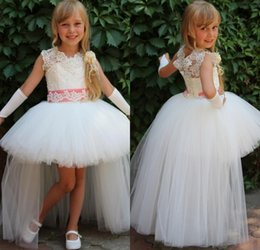 Discount little girls hi low dress - Lovely Short Front Long Back Lace Ball Gowns Flower Girl Dresses Above Knee Pearls High Low Pageant Dresses for Little G
