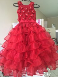 Pequeño Rojo Lindo Baratos-Red Crystal Flowers A-Line Cute Little Girl Dress Jewel sin mangas hasta el suelo Ruffle Charming Wedding Girl Dresses