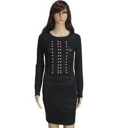 Barato Vestido De Curativo Com Pescoço-Sequined Rivet Mesh Striped Paneled Sheer Bandage Coluna Bodycon Vestido Scoop Neck Long Sleeve Hollow Out Mini Dress Flare Vestido de casamento