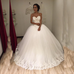 New Princess Ball Gown Wedding Dresses Sweetheart Pearls Lace Tulle 2017  New Luxury Bridal Gowns Lace up Back Custom Made 43862b7275ce