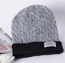 Knitted Christmas Hats Canada - Christmas gift 2016 Winter hat new patch label fashion for men and women warm winter hat hot knit wool cap