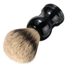 Barato Pincéis Grossistas De Texugo-Venda por atacado-portatil Black Badger Hair Bristle Brincadeira de barbear Escova de bigode Resina Handle Face Barber Beauty Tool Presente masculino