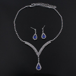 $enCountryForm.capitalKeyWord Canada - Luxury sparkly V Shaped Jewelry Sets for Wedding Prom Evening Cocktail Bridal Accessories rhinestone crystal pendant necklace earrings set