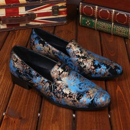 Italian Style Wedding Dresses Canada - 2016 New Italian Style Men's Flats Shoes Genuine Leather Men Office Dress Shoes Mens Wedding Party Print Loafers Leather Shoes