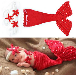 Tenue De Sirène Tricotée Bébé Pas Cher-Mignon Bébés filles garçon nouveau-né photo Props Crochet Knit Mermaid vêtements Ensembles Knit photo Prop Tenues Red (bandeau + sommets + queue) Costumes 18851
