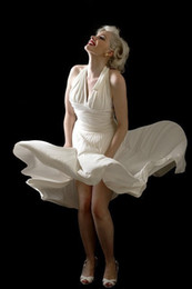 Robe De Soiree 2018 Marilyn Monroe una línea de escote halter sin mangas uniformes acanalada corto gasa vestidos de noche Sexy espalda abierta