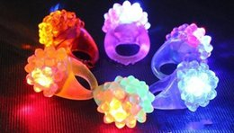 Kids Christmas Light Up Toy Canada - Strawberry Blinking LED Light Up Jelly Finger Rings Bar DJ Rave Toys Light Flashing Ring kids Halloween Christmas Birthday Toys 1000pcs lot