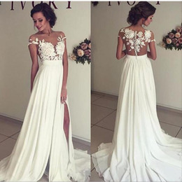 Barato Trem De Fenda De Vestido Branco-2017 Summer Garden Elegant White Chiffon Sweetheart A Line Sweep Train Vestidos de casamento Lace Appliques Manga curta Side Slit Bridal Gowns