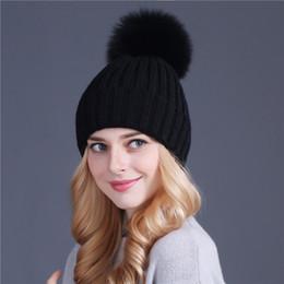 Alta qualità Raccoon visone e pelliccia di volpe berretto da baseball pon  pon cappello di inverno per le donne ragazza a maglia berretti berretto  caldo di ... 9ac8101ade63