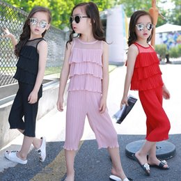 Barato Camadas De Chiffon Tops-2016 New Summer Baby Girls Chiffon Sets Girls Fold Layered sem mangas Top + Pants 2 Pieces Children School Fashion Clothing Set