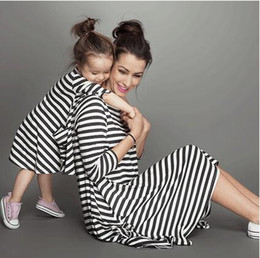 $enCountryForm.capitalKeyWord Canada - 2016 New arrive Spring Summer Style Family Matching Outfits Mother And Daughter Fall Full Balck Striped Dress Free Shipping