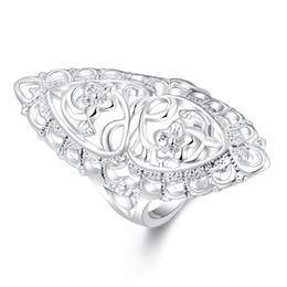 Chinese  Classic Creative Carved Silver Plated Jewelry British Style Elegant Ring Statement Hollow Flower Chic Ring for Women Unisex Long Big Ring manufacturers