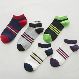 $enCountryForm.capitalKeyWord Canada - FUJI New Colorful Striped Mens Fashion Socks Sweat Breathable Short Ankle Socks Casual Multicolor Cotton Socks