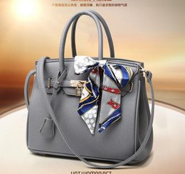 White Colour Handbags Online | White Colour Handbags for Sale