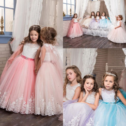 $enCountryForm.capitalKeyWord Canada - Vintage Lace Arabic 2017 Floral Flower Girl Dresses Beaded With A Cloak Child Dresses Beautiful Girls Pageant Gowns Birthday Party Dresses