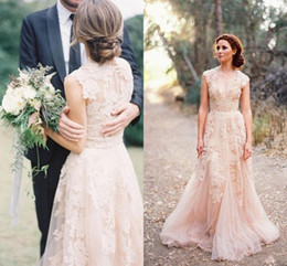 Barato Vestidos De Noiva Mangas Baratas-Blush Pink Wedding Dresses 2018 Country Deep V Cap Manga Lace Applique Tulle Sheer Cheap Vintage A Line Reem Acra Wedding Vestidos de noiva