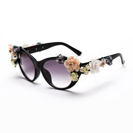 flowered sunglasses UK - Wholesale-Plastic Frame Oval Sunglasses Flowers Resin Women Coating 3 Color Brand female oculos Fashion Gifts