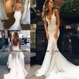 Simple Robe De Sirène De Champagne Pas Cher-Pallas Couture 2017 Dentelle Floral Long Train Mermaid Robes de mariée de plage Custom Make V-neck Robe de mariée en nacelle longue longueur Fishtail