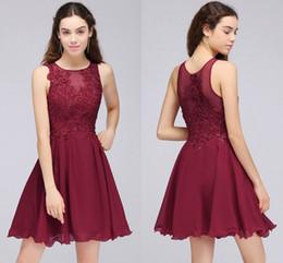 90eecf75bf280 Bourgogne dentelle perlée une ligne en mousseline de soie courte robes de  bal robes de cocktail pour les jeunes filles