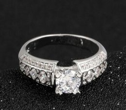 white gold celtic rings Canada - LAD DIAMOND SOLITAIRE ACCENTED RING 4 PRONGS AUTHENTIC 18 KT WHITE GOLD Filled 1.5 CT