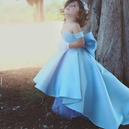 Robes De Fantaisie Mignonnes Pas Cher-Light Sky Blue Flower Girls 'Dresses Off the shoulder Fancy Cute High Low première robe de communion 2017 Robes d'anniversaire pour enfants
