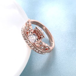 Crown Ring Box Canada - Female Crown Ring Rose Gold Wedding Rings with Gift Box Jewelry For Girls Classical Wedding Party ring Clear White Stone RG-010