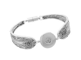 Chinese  10Pcs Snap Buttons Bracelets Bangles Antique Silver Engraved Flowers Magnetic Clasps DIY Ginger Snaps Interchangeable Jewelry 2016 May Style manufacturers