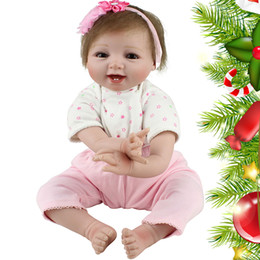 Lovely Doll Silicone Canada - Lovely Reborn Baby Dolls Realistic Soft Silicone Dolls Newborn Lifelike Vinyl Alive Reborn Baby Girl with With Clothes