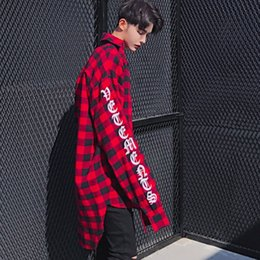 Barato Manga Longa Vestidos De Rua-Atacado- 2017 High Street Estilo Europeu Hip Hop Long Sleeve Loose Mens Vestido Chemise Homme Casual Red and Black Plaid Shirt Men