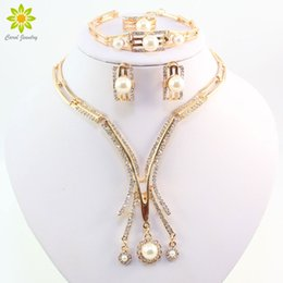 jewelry dubai Canada - New Designer Gold Plated Dubai African Austrian Crystal Simulated Pearl Necklace Bracelet Earring Ring Wedding Bride Jewelry Set