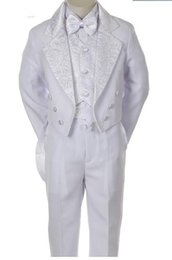 Smokings Para Niños Pequeños Baratos-White Tailcoat Smoking para Niños Double Breasted Notched Lapel Little Mens Trajes Ocasión Especial Niños Ropa (Jacket + Pants + Vest + bow)
