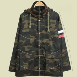 military green women s coat UK - Loose Fit Military Camouflage Jacket Ladies Camo Windbreaker Top Version Suppressible Hood Design Striped Harajuku Coat