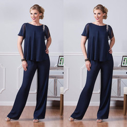 Barato Curto E Elegante Mais-Elegante Dark Navy Mother Of Bride Pantalto Beads Beads Manga curta Mãe Vestido formal Plus Size Special Occasions Mães Pantsuit With Jacket