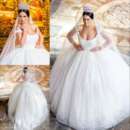Images Robes De Mariée Bouffantes Pas Cher-Vintage Pearls Backless Ball Gown Robes de mariée Scoop Neck Puffy Appliques Robe de mariée Chapelle Tulle Robes de mariée Princess