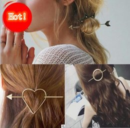 Metal Color Hair Clips Canada - Vintage Gold Color Metal Triangle Hairpin Girls' Hair Clips Women Fashion Hairpins Simple Hair Accessories Disk hair Free shipping