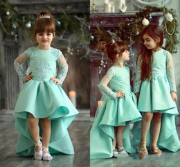 Barato Vestidos Azuis Amarelos-Mint Green High Low Girls Pageant Vestidos O Neck Mangas Longas Appliques Lace Satin Yellow Flower Girls Vestidos Little Girls Birthday Dresses