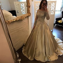 Silver quinceanera dreSSeS online shopping - 2018 Gold Ball Gown Quinceanera Dresses Bateau Neck Off Shoulder Long Sleeves Appliques Beaded Satin Prom Dresses Sweet Dresses