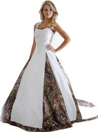 Vendita calda 2018 nuovi abiti da sposa con abito da ballo appliques lungo camouflage wedding party dress abiti da sposa q03