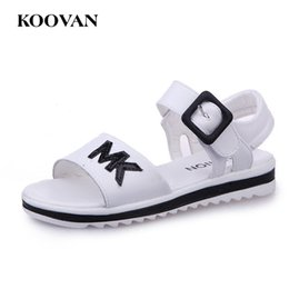 Barato Korean Girls Shoes Venda-Hot Sale Koovan Sandálias para crianças 2017 Verão Coreano Girl Lazy Shoe Boy Sandals Soft Bottom Shoes Children's Flats Beach Shoes W315