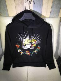 $enCountryForm.capitalKeyWord Canada - 2017fashion brand unique multi-color embroidery tiger&rose design hoodie men hipster long sleeve pullover thick warm sweatshirt jacket