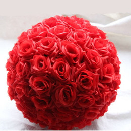 Barato Casamento Bouquets-Artificial Wedding Flower Ball Decor Decorativos Ornamentos de seda rosa Kissing Ball Decorar para Decoração de Natal Bouquet Hanging Party