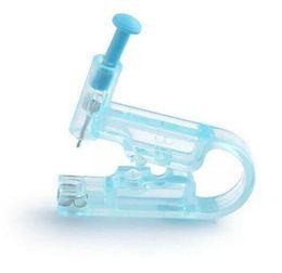 Kit de perçage auriculaire Pistolet de piercing pour le corps stérile + Goujon en acier inoxydable + Tampon pour préparation à l'alcool en Solde
