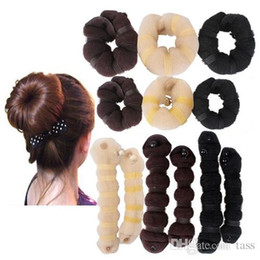 Meilleure vente !!! 250 ensembles Bun Maker 1 (1pc petit + 1pc grand) ensemble avec l'outil Color Box Retail Roller Twist Bigoudi