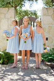$enCountryForm.capitalKeyWord Australia - Cheap One Shoulder Handmade Flower Straps Beach Country Bridesmaid Dresses Knee Length Chiffon Short Prom Party Gowns Fitted Maid Of Honor