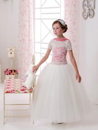 $enCountryForm.capitalKeyWord Canada - 2016 Short Sleeves Lace Tulle Flower Girl Dresses Vintage Child Pageant Dresses Beautiful Flower Girl Wedding Dresses