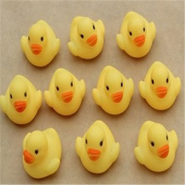 $enCountryForm.capitalKeyWord Canada - Baby Bath Water Duck Toy Sounds Mini Yellow Rubber Ducks Swimming Bathe Gifts Race Squeaky Duck Toy Swimming Pool Fun Playing Toy