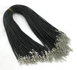Venta al por mayor de 100 unids 1.5mm Cadenas de Serpiente de Cuero de Cera Negro pulseras Rebordear Cuerda Cuerda de Cuerda de alambre 45 cm + 5 cm Extender pulsera Cadena Lanzador de Corchete DIY