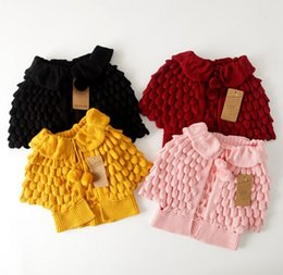 Mignon Poncho Pour Les Enfants Pas Cher-Automne Enfants Outwear Mode Bébé Enfants Vêtements Femmes Adorable Sweater Coats Girl Bud Flap Cardigans tricotés Kids Poncho Cute Cappa 9475