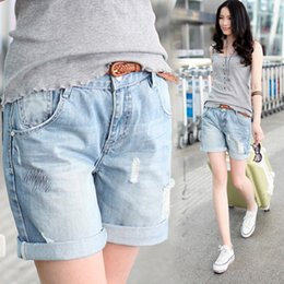 Barato Denim Rolo Para Cima Jeans-Atacado - 2017 novo novio Style loose Hole denim shorts Roll Up Loose Jeans Shorts Retro Light Blue Loose Mulheres Short Jeans